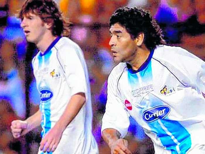 Maradona y Messi en el mismo equipo